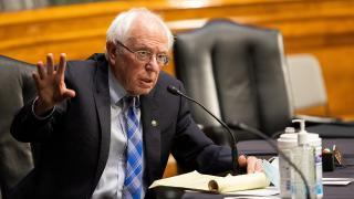 ABD'li senatör Sanders'tan Biden'a: Rotamızı değiştirmeliyiz