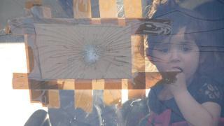 ABD'de göçmen çocuklar bir gece otobüste beklemeye zorlandı iddiası