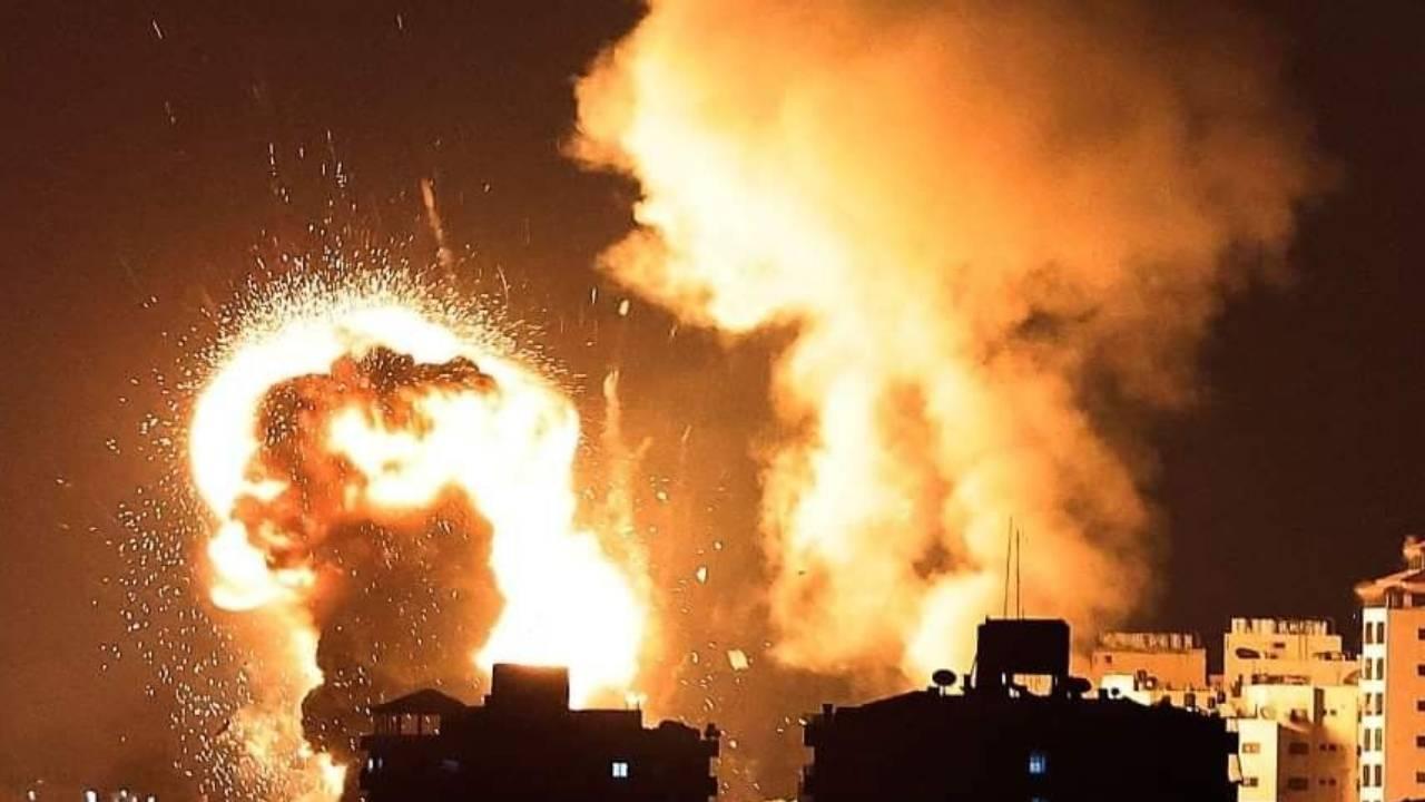Savaş uçakları Filistin İçişleri Bakanlığı'nı vurdu