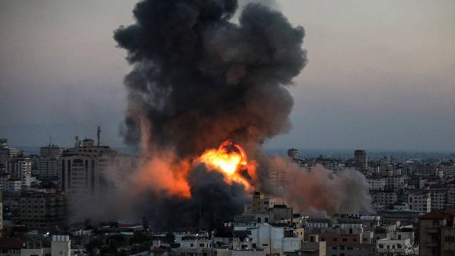 İsrail Gazzeyi bombalamaya devam ediyor