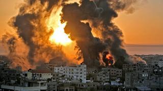 Gazze'ye hem havadan hem karadan saldırı