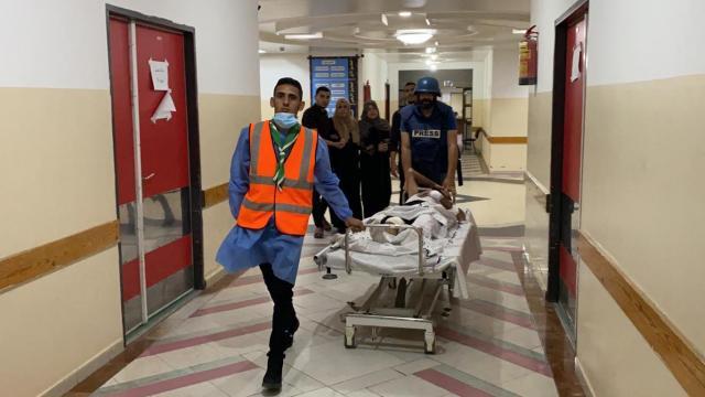 Gazzedeki saldırıda AA kameramanı ve foto muhabiri yaralandı