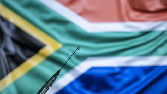 Güney Afrika aşılama çalışmalarında ikinci aşamaya geçiyor