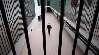 ABD'de haksız yere hapis yatan iki siyahi hukuk mücadelesini kazandı