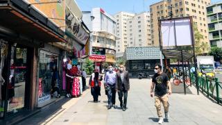 İran'da koronavirüsten bir günde 303 can kaybı
