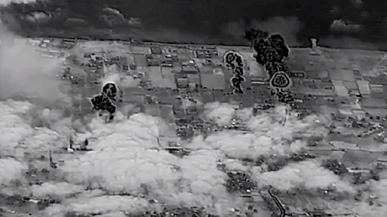 İsrail, Gazze'de sivil yerleşim yerlerini bombaladığı görüntüleri paylaştı
