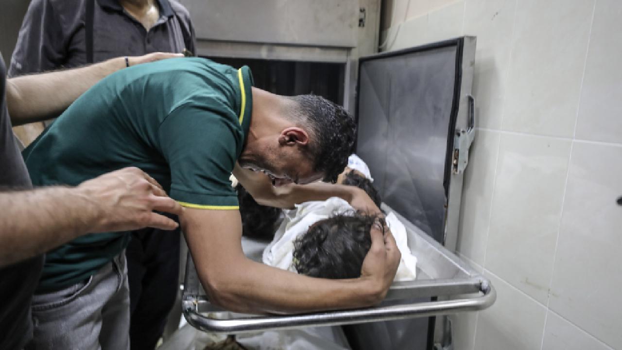 İsrail 6 kişilik aileyi katletti