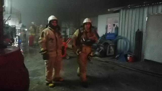 Silivride geri dönüşüm fabrikasında yangın