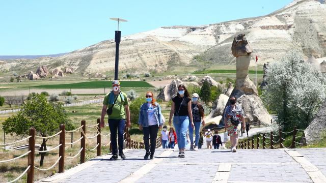 Ukraynalı turistler Kapadokyadan hayranlıkla ayrılıyor