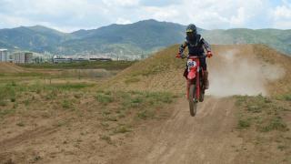 Kampa giren 16 motokrosçu, şampiyonluk hedefiyle çalışmalarını sürdürüyor