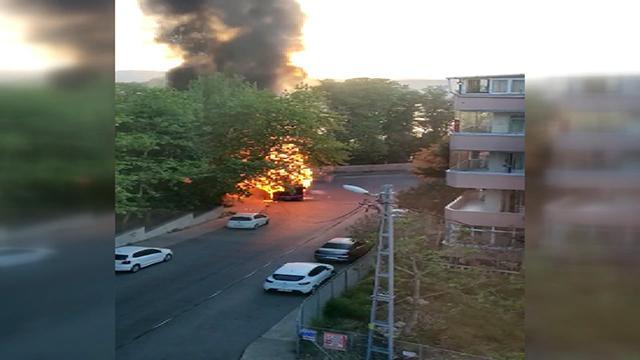 İstanbul'da yanan otobüs küle döndü