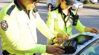 3 bin 310 sürücü ve yolcuya emniyet kemeri cezası