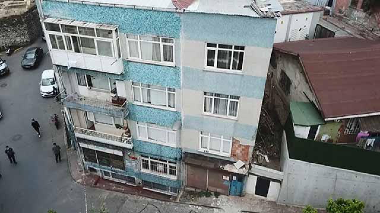 Fatih'te kolonları çatlayan bina boşaltıldı