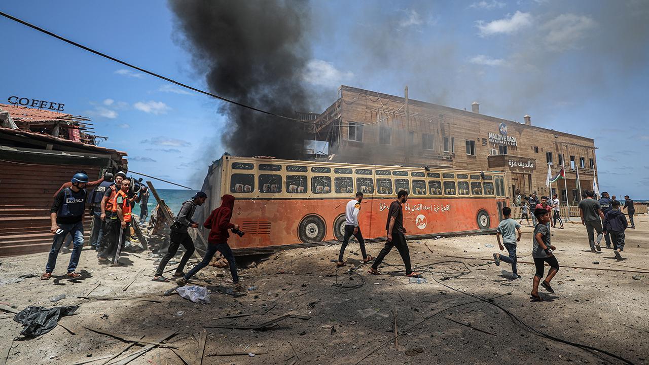 Gazze Şeridi'nin sahil bölgesine hava saldırısı