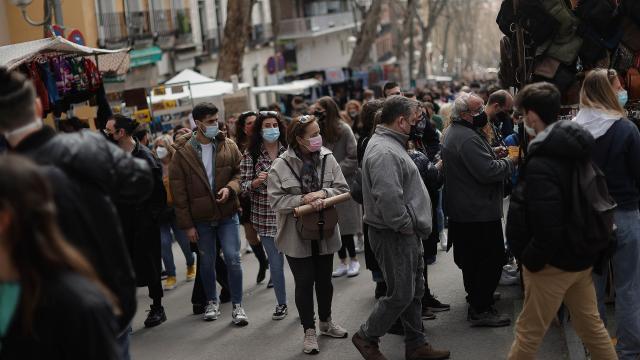 İspanyada bir günde 3 bin 988 yeni vaka