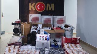 Antalya'da kaçak tütün operasyonu: 2 gözaltı