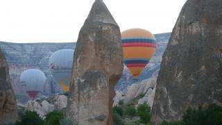 Sıcak hava balonları gökyüzünü yeniden renklendirdi