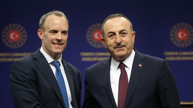 Bakan Çavuşoğlu, İngiliz mevkidaşı ile Filistini görüştü