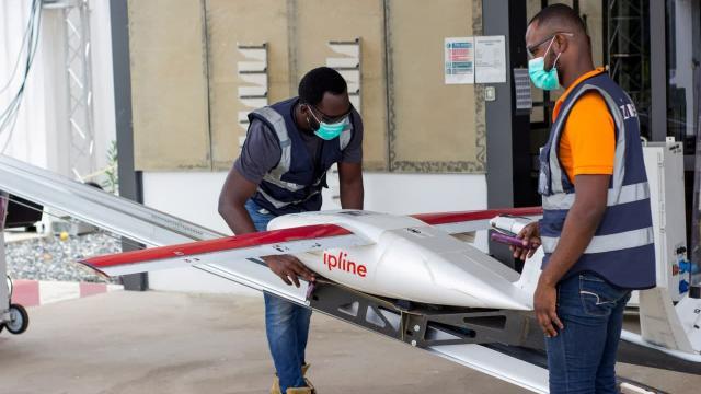 Nijeryada aşılar ulaşılması zor bölgelere drone ile gönderiliyor