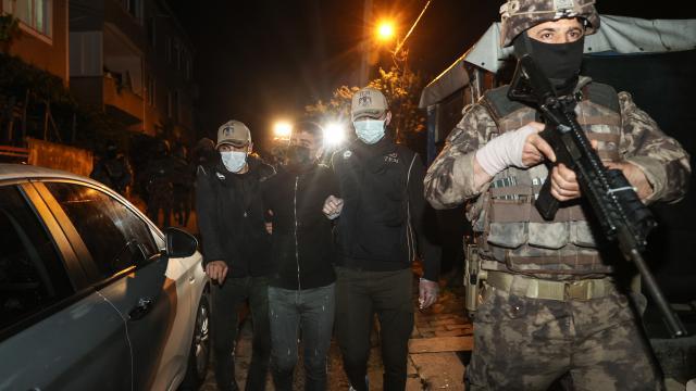 İstanbulda terör operasyonu: 7 gözaltı