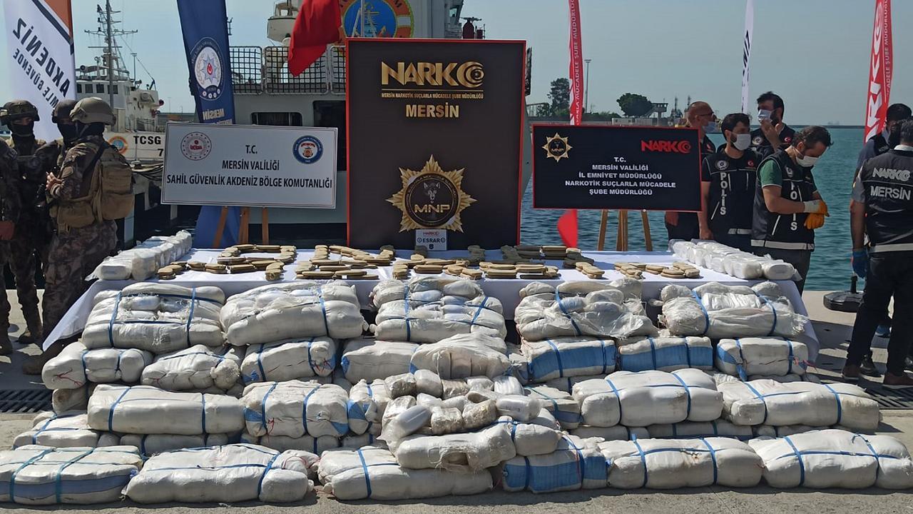 1,5 tonluk uyuşturucu operasyonu kamerada