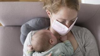 Bir yıl boyunca anne sütü ile beslenen bebeklerin enfeksiyon geçirme riski azalıyor