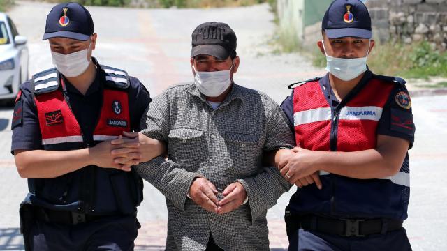 Antalyada 6 suçtan aranan firari yakalandı