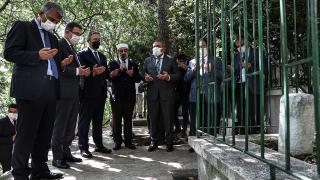 Necip Fazıl Kısakürek, 38. ölüm yıl dönümünde mezarı başında anıldı