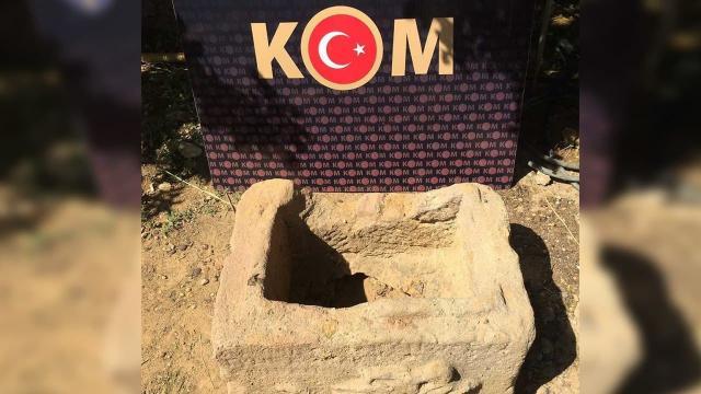 Kırıkkalede bir evin bahçesinde lahit mezar ele geçirildi
