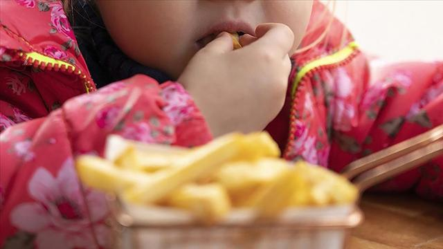 Yanlış beslenme erken ergenliğe yol açıyor