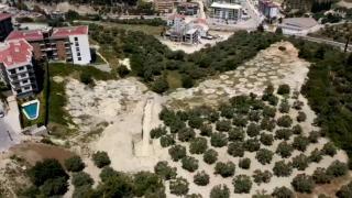 Kuşadası'nda inşaat kazısından 2 bin yıllık tarihi kanal çıktı