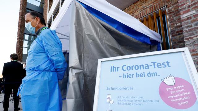 Almanyada COVID-19 vakaları son 7 haftanın en yüksek seviyesinde