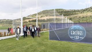 Büyükkılıç, spor kulüplerini Erciyes'e davet etti