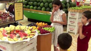 Çocuklara 'göz hakkı meyve reyonu'