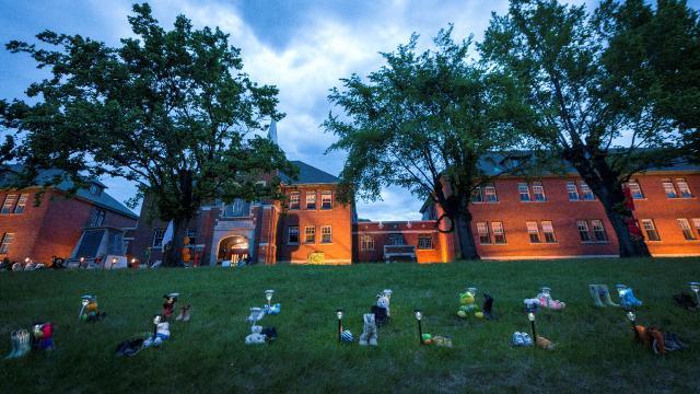 Kanadada toplu mezar: 751 çocuğun cesedine ulaşıldı
