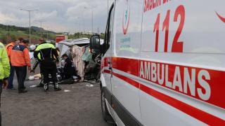 Tarım işçilerini taşıyan minibüs devrildi: 6 yaralı
