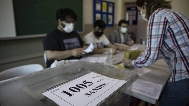 İstanbulda 14 mahallede muhtarlık seçimi yapıldı