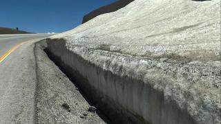 Erzurum'da haziranda metreler boyu kar
