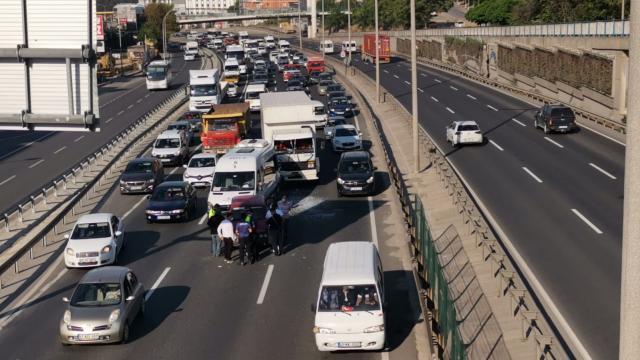 Kocaelide zincirleme trafik kazası: 2 yaralı