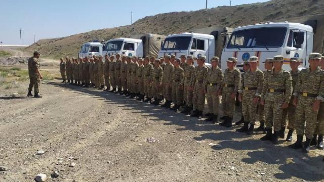 Kırgızistan, Tacikistan sınırı yakınlarındaki vatandaşlarını tahliye ediyor