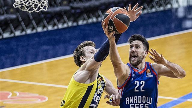 Anadolu Efes ile Fenerbahçe Beko play-off final serisinde 3. maç yarın