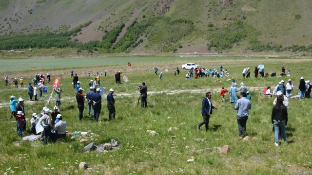 Nemrut Dağında uçurtma şenliği düzenlendi