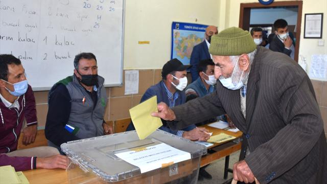 765 yerleşim yerinde ara seçim heyecanı