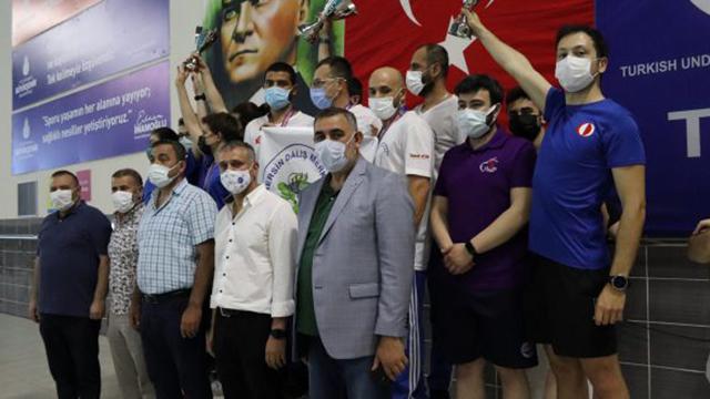 Su altında 13 Türkiye rekoru
