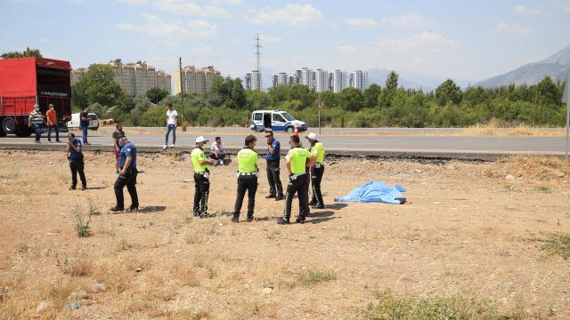 Antalyada kamyonetle çarpışan motosikletin sürücüsü öldü