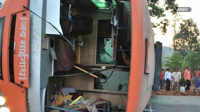 Hindistanda trafik kazası: 15 ölü