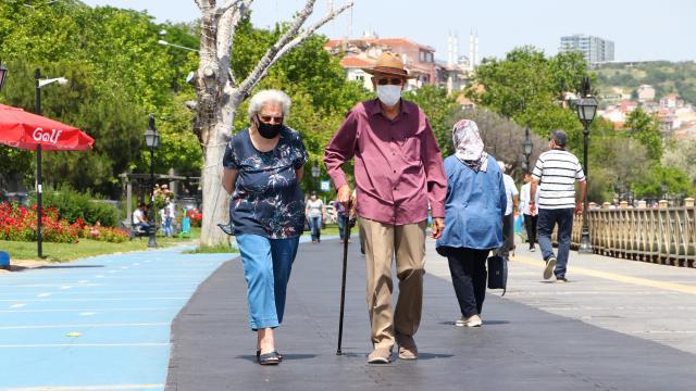 65 yaş ve üstü için hareket zamanı: Hangi egzersizler öneriliyor?