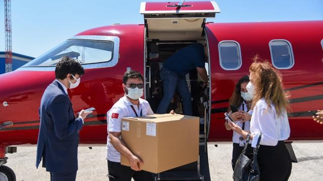 Türkiyenin bağışladığı 30 bin Sinovac aşısı Kuzey Makedonyaya ulaştı