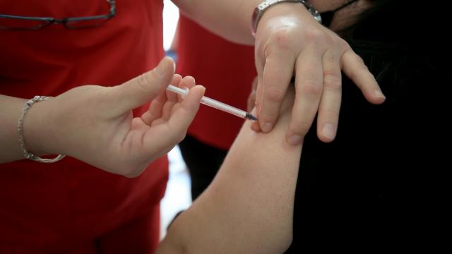 Bir günde 842 bin 494 doz aşı yapıldı