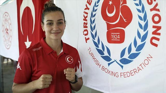 Milli boksör Buse Naz Çakıroğlu altın madalya kazandı